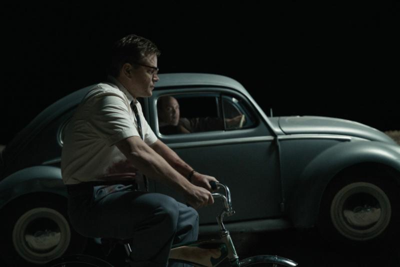 Matt Damon flieht auf einem Kinderfahrrad