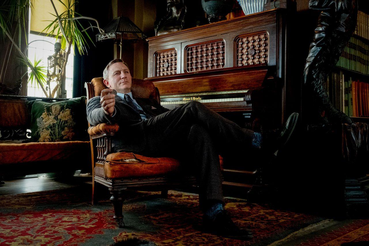 Entspannt ermittelt es sich am besten: Privatdetektiv Benoit Blanc (Daniel Craig).