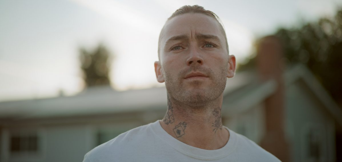 """Jake McLaughlin als Marvin in """"Home"""""""